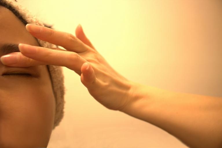 眼瞼痙攣の症状